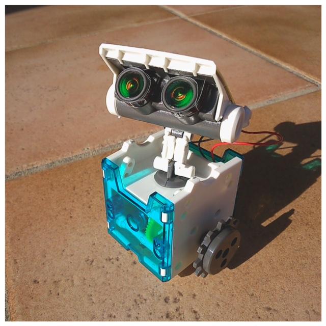 Notre petit robot solaire testinaute home - Robot qui cuisine tout seul ...